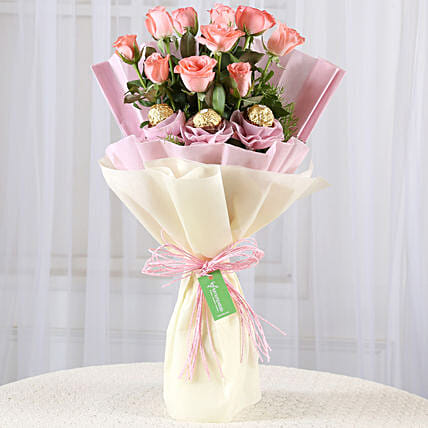 10 Pink Roses & Ferrero Rocher Bouquet: Flowers with Chocolates