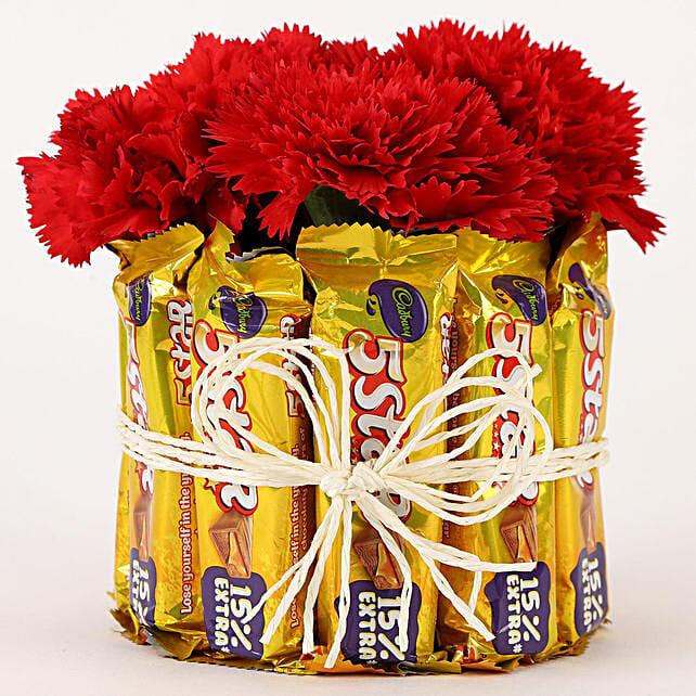 5 Star & Carnations Glass Arrangement: Send Chocolate Bouquet