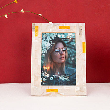 Attractive Handcrafted Photo Frame: Personalised Photo Frames Gifts