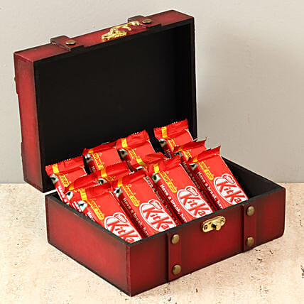 Box Of Kit Kat Chocolates: Gift Ideas