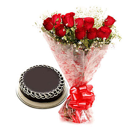 Capturing Heart- Red Roses & Chocolate Cake: Flower Bouquet with Cake