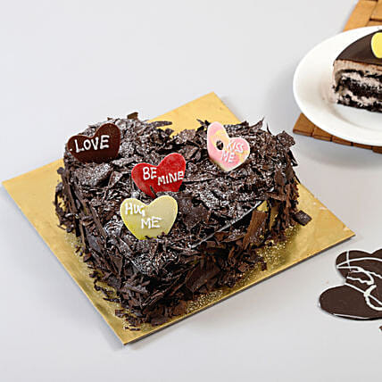 Choco Blast Love Cake: Send Designer Cakes