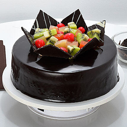 Chocolate Fruit Gateau: Chocolate cakes for birthday
