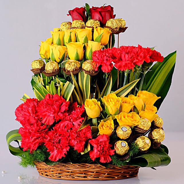 Mixed Flowers & Ferrero Rocher Arrangement: Exotic Rose Arrangements
