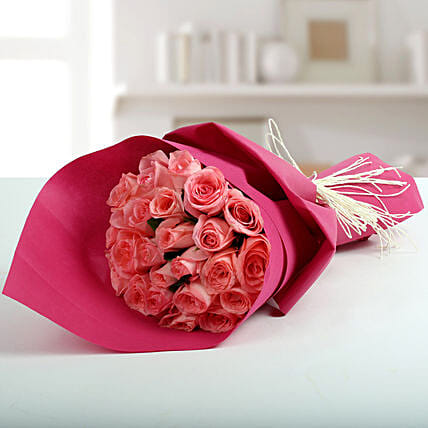 Cute Pink Roses Bunch: Flower Bouquets