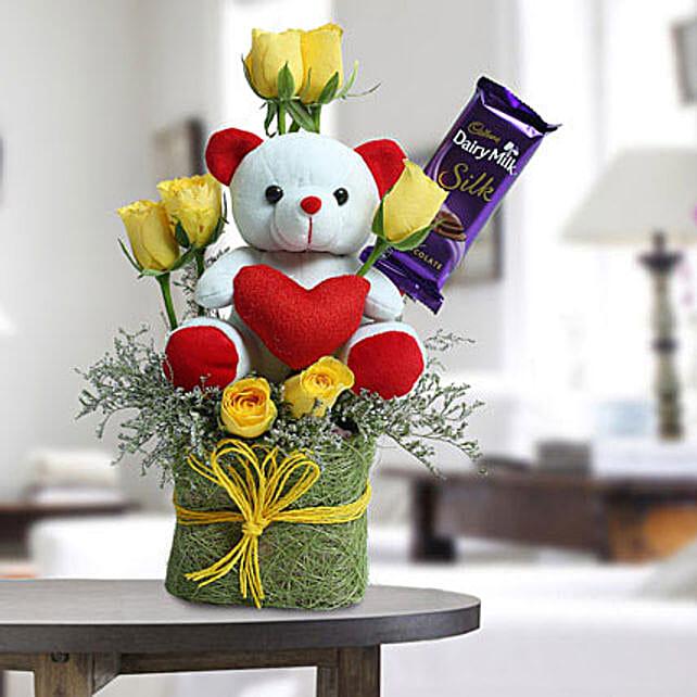 Cute Teddy Surprise: Send Gift Hampers