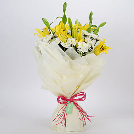 Daisies & Lilies Mixed Love Bouquet: Lilies