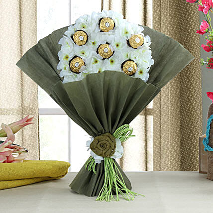 Delectable Ferrero Rocher Chocolate Bouquet: Gifts for Hug Day