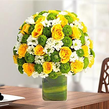 Express Love With Yellow Roses: Exotic Rose Arrangements