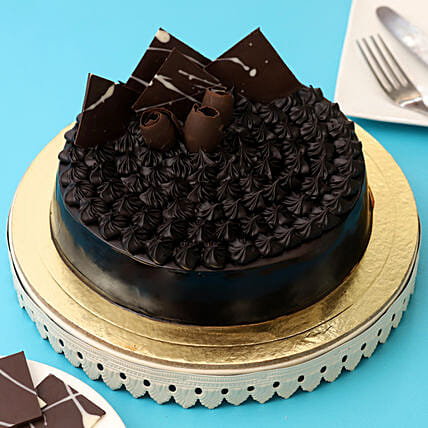 Fudge Brownie Cake: Fathers Day Designer Cakes