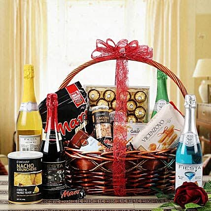 Glee of Exotic Gourmet: Gift Hampers Delivery In Lucknow