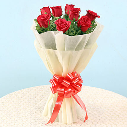 Graceful Red Roses: Hug Day Gifts
