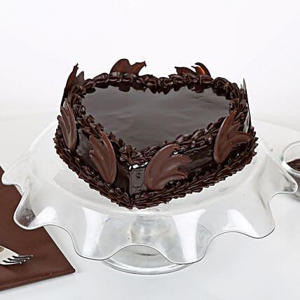 Chocolate Cake Buy Eggless Chocolate Cakes Online Ferns N Petals