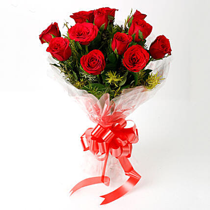 Impressive Charm- Bouquet of 10 Red Roses: Hug Day Gifts