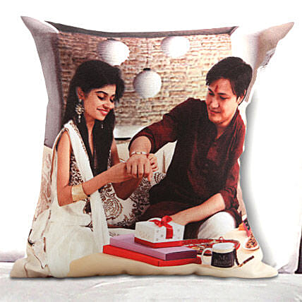 Personalized Knot Of Love: Cushions