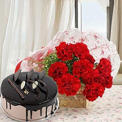 Red Carnations With Chocolate Cake: Flower Bouquet with Cake