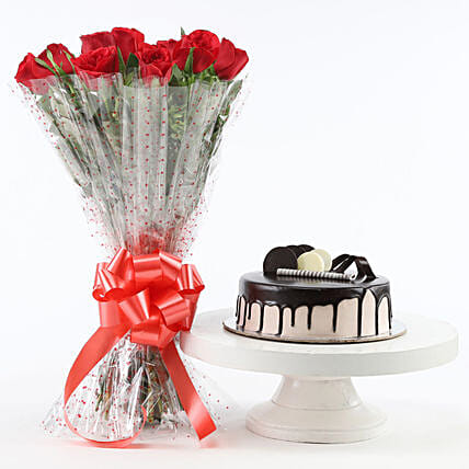 Red Roses And Chocolate Cake Combo: Flower Bouquet with Cake