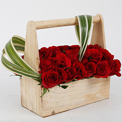 Red Roses Love Carriage: Premium & Exclusive Gift Collection