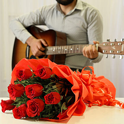 Red Roses & Romantic Tunes Combo: Gifts N Guitarist Service