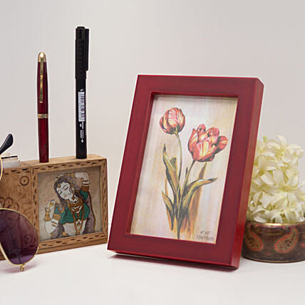 Red Wooden Photo Frame: Photo Frames