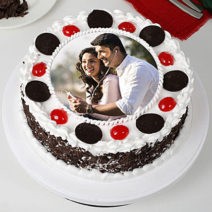 Round Black Forest Photo Cake: Gifts for Propose Day