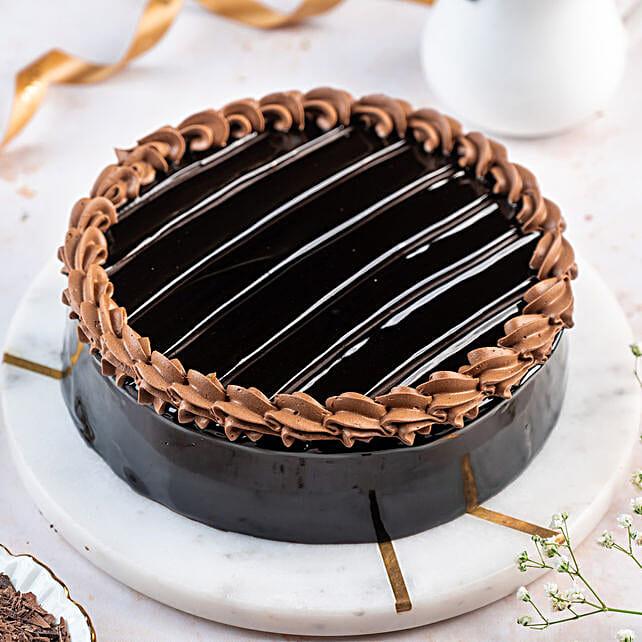 Royal Truffle Cake: Designer Cakes to Hyderabad