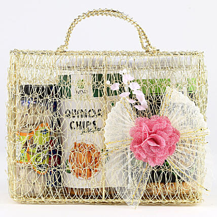 Snacks Hamper In Mesh Bag: Gift Hampers