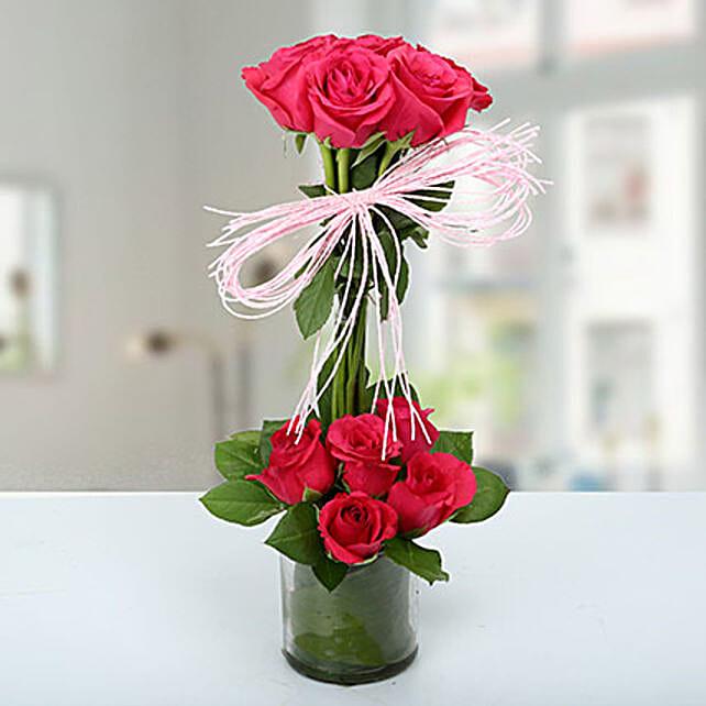 Splendid Rose Arrangement: Send Unique Gifts