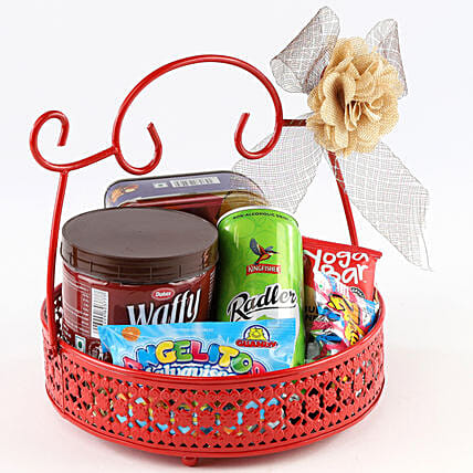 Sweet Snack Basket: Send Birthday Gift Hampers