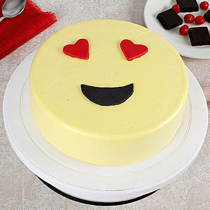 True Love Emoji Cream Cake: Designer Cakes
