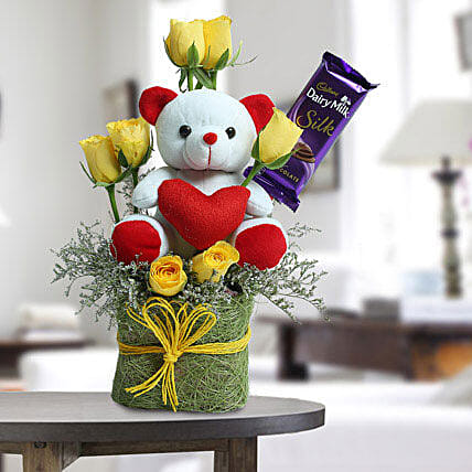 Cute Teddy Surprise: Flower Combos