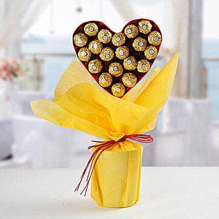 Ferrero Rocher Heart Bouquet: Ferrero Rocher Chocolates