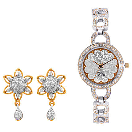 Personalised Watch With Elegant Earrings: Fashion Accessories