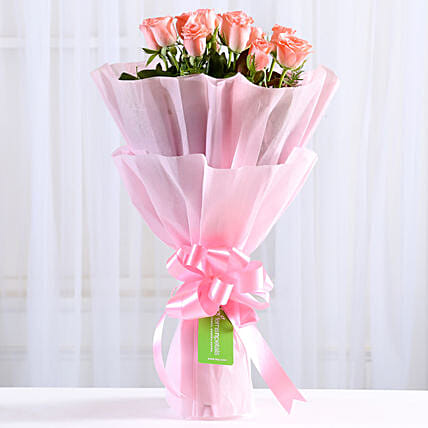 Endearing Pink Roses Bouquet: Send Valentine Flowers to Chandigarh
