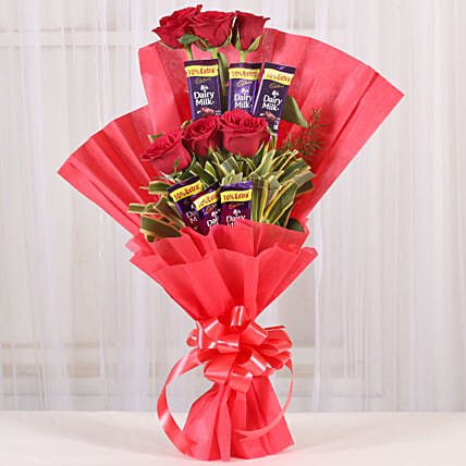 Chocolate Rose Bouquet: Valentine Flowers Raipur