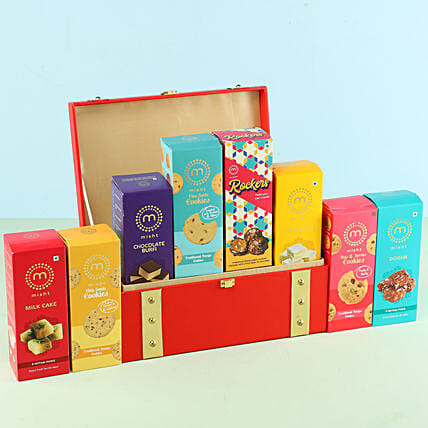 Assorted Misht Sweets Cookies Red Gift Box: Gift Hampers