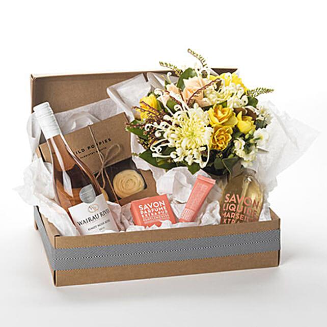 Pamper Her Gift Hamper Birthday Flower Delivery In New Zealand