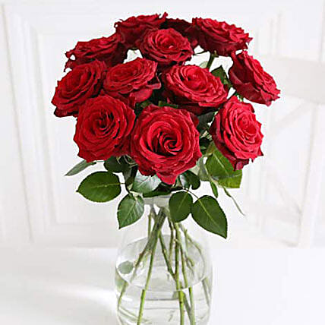 A Dozen Burgundy Roses: Flower Delivery UK