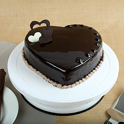 Chocolate Hearts Cake 1kg Eggless