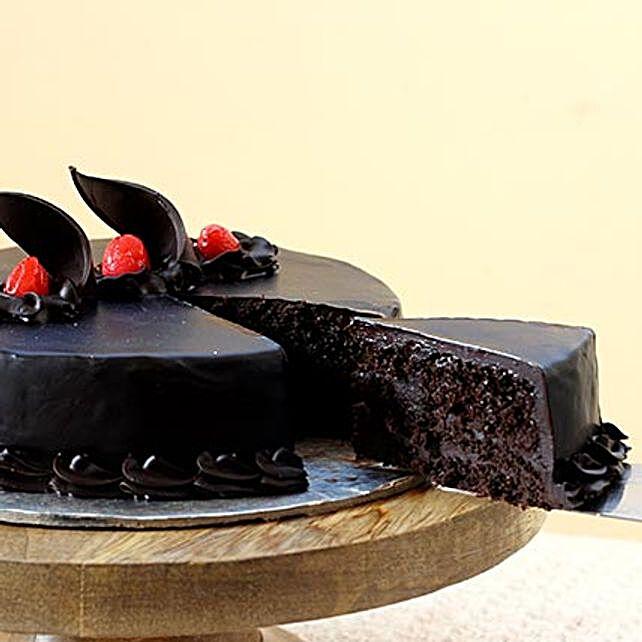 Chocolate Truffle Cream Cake Half kg Eggless