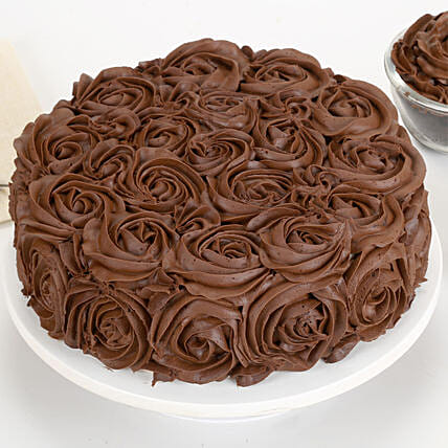 Chocolaty Rose Cake 2kg Eggless
