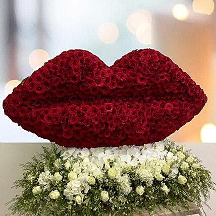 Flowery kiss of love gift lip shape floral arrangement ferns n flowery kiss of love negle Images