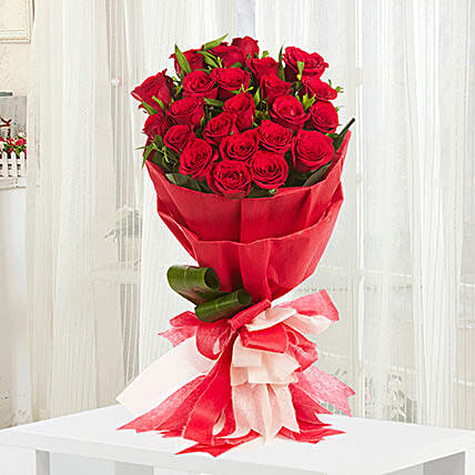 Romantic standard gift bunch of 20 red roses with draceane romantic standard negle Choice Image