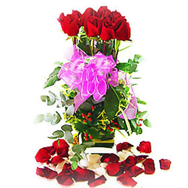 Roses in Amazing Vase