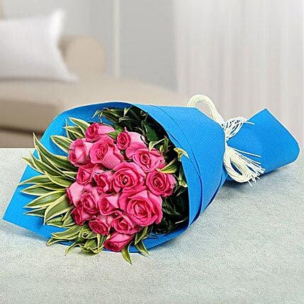 17 Pink Roses Bunch