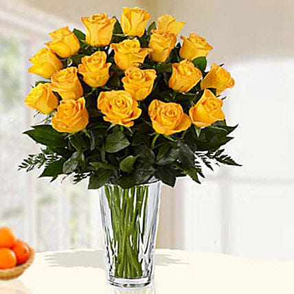 18 Yellow Roses Arrangement