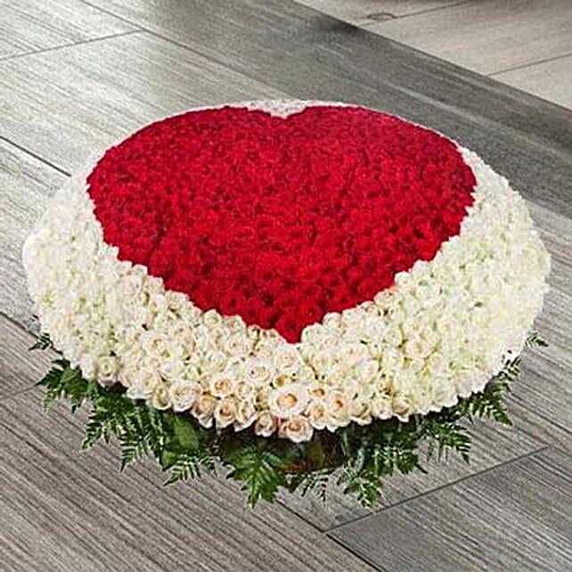 Red N White Roses Basket