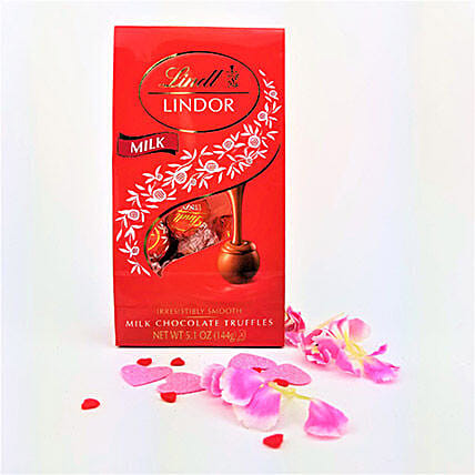 Lindt Lindor Tempting Milk Chocolate